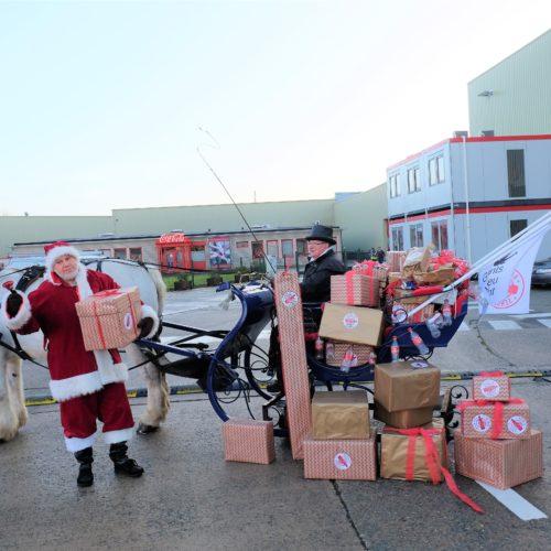 Kerstman 1.200 Coca-Cola blikjes Back To Sender